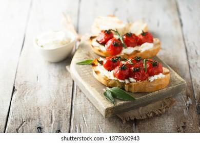 Tomato cream cheese bruscetta