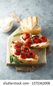 Tomato cream cheese bruscetta