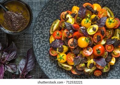 Tomato salad with pesto from Jamie Oliver