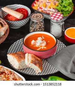 Tomato soup with cheese and breadcrumbs