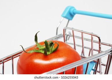Tomato in supermarket Cart
