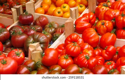 Tomatoes on sale at the farmers market