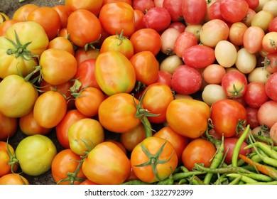 tomatoes in street food