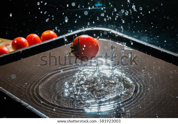 Tomatoes thrown overboard