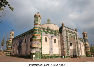 The tomb of Afaq Khoja in Kashgar is considered the holiest Muslim site in Xinjiang. In summer, people who travel in Kashgar all will travel in the tomb.