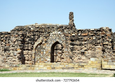 The tomb of Alauddin Khilji in Qutb Complex, New Delhi