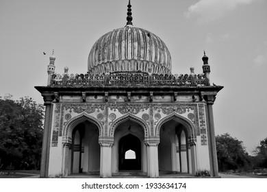 Tomb of a hakeem (physician) at the Qutb Shahi Tombs at Ibrahim Bagh, Hyderabad, India