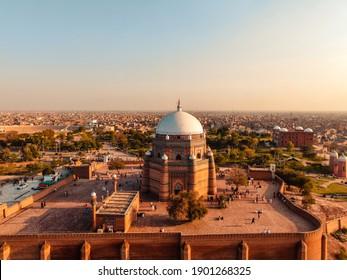 Tomb of Hazrat Shah Rukn-e-Alam, Multan
