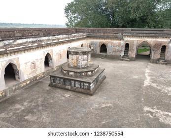 tomb of peshwa bajirao