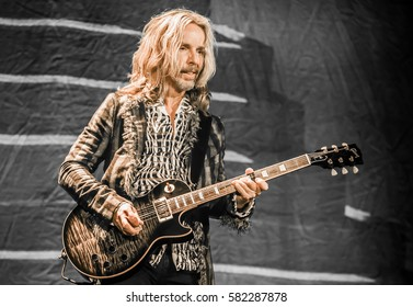 Tommy Shaw with Styx - Pacific Amphitheater Costa Mesa CA. June 15, 2016