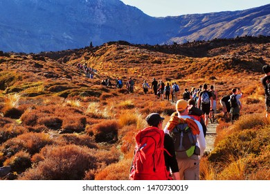 TONGARIRO NATIONAL PARK, NORTH ISLAND, NEW ZEALAND. - On April 20, 2019. -Tourists are rushing to climb the Tongariro Crossing.