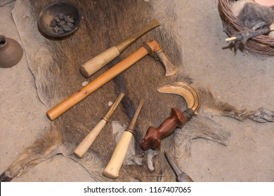 Tool from the Bronze Age is sorted on an animal skin