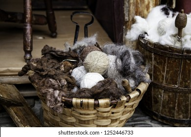 Tools for making wool, traditional objects for virgin wool