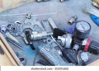 Tools and other accessories for car repair