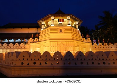 The tooth temple of Kandy in Sri Lanka