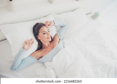 Top above high angle overhead close up view photo portrait of beautiful pretty elegant trendy glad nice charming cute sweet lovely charming lady people her she person sleeping in wide king size bed