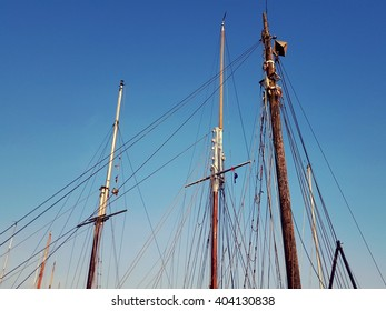 the top of some sailing boats