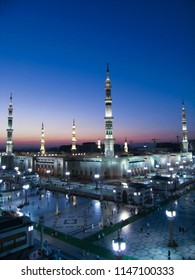 Top view of Masjid Nabawi (Nabawi Mosque) during sunrise in Madinah, Saudi Arabia.