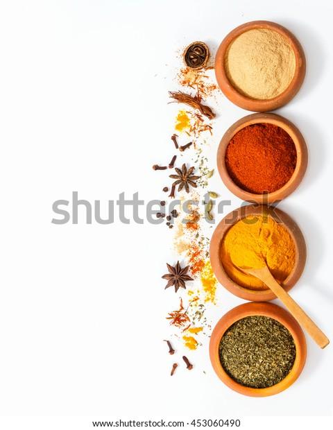 Ovanifran Blanda Indiska Kryddor Och Orter Stockfoto Redigera Nu 453060490