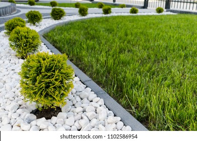 River Rock Landscaping Front Yard Simple