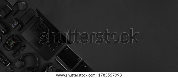 top-view-photography-gear-laptop-600w-17