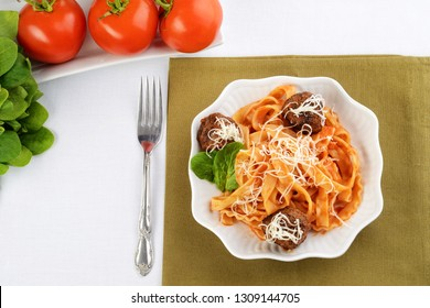 top view spaghetti and meatballs