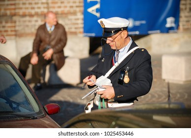 Man With Glasses Images, Stock Photos & Vectors | Shutterstock