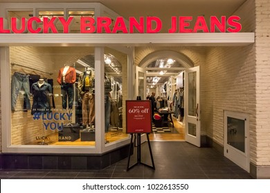 502600013ce Lucky Brand Store Images