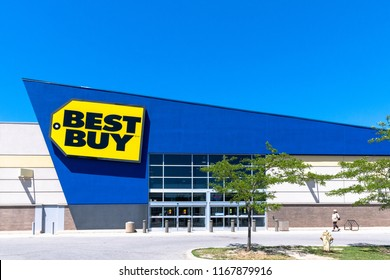 Toronto, Canada-August 5, 2018: Entrance of a Best Buy store during a day with blue clear sky. Best Buy Co., Inc. is an American multinational consumer electronics retailer