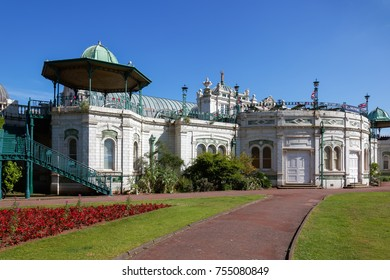 TORQUAY, DEVON/UK - JULY 28 : The Pavilion and Princess Gardens in Torquay Devon on July 28, 2012