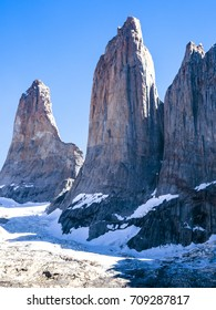 TORRES DEL PAINE NATIONAL PARK, PATAGONIA, CHILE - Beautiful Mirador Los Torres.