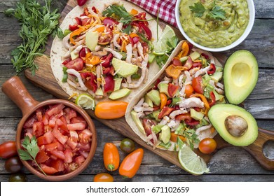Tortillas with vegetables and chicken meat
