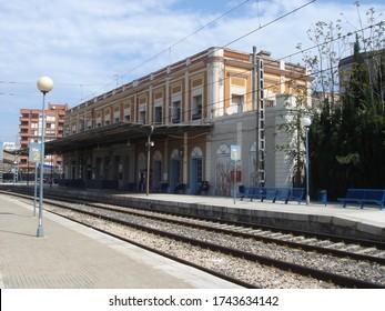 Tortosa (Tarragona, Spain). 04/16/2007. Tortosa railway station. Station building