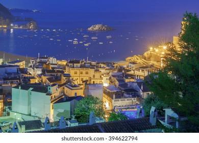 Tossa de Mar in night illumination.