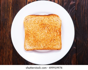 tost on plate