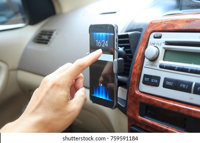 Touch screen of smarphone holder air vent mount