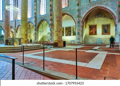 TOULOUSE, FRANCE - MARCH 20 2018: timelapse reliquary of Thomas Aquinas, Church of Jacobins is a deconsecrated Roman Catholic church located. In early 21st century it is museum.