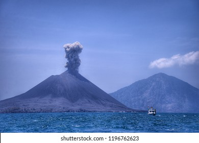 Tourist boat is still allowed to cross Anak Krakatau mountain in a safe distance
