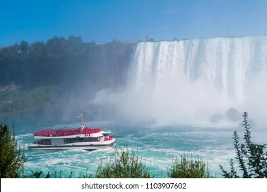 Tourist Boat Tour in Niagara Falls, Canada