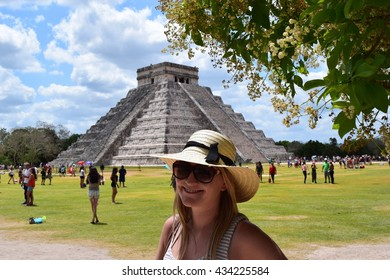 Tourist excursion to Chichen Itza