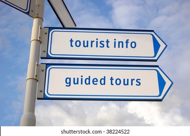 tourist information, guided tours arrow signs