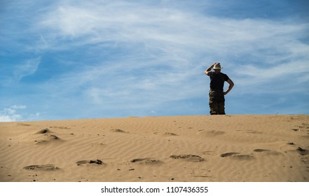 a tourist lost in trip . desert survival .