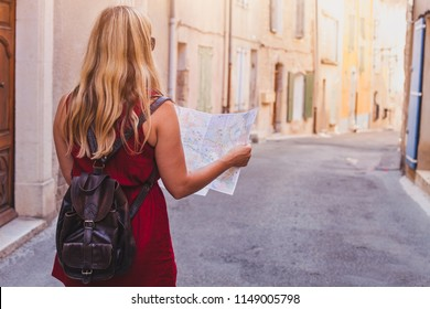 tourist with map, summer holidays travel