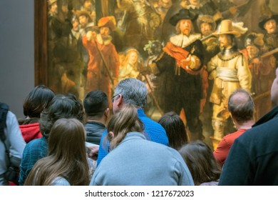 Tourist At The Nachtwacht Painting At The Rijksmuseum Amsterdam The Netherlands 2018