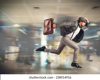 Tourist runs late to the flight departure