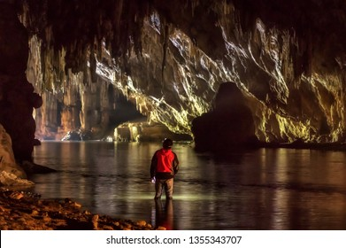 Tourists explore the cave of Tham Lod, Pai, Mae Hong Son, Tham Lod, one of the most amazing caves in Thailand.