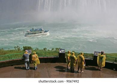 tourists at niagara falls ontario