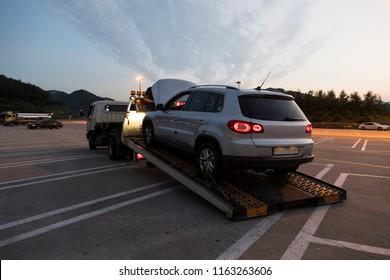 tow a car
