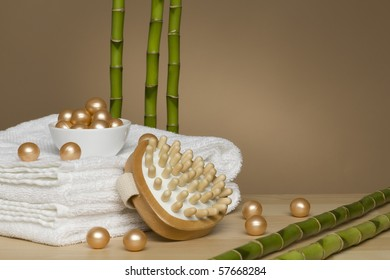Towels, bath pearls, massagepad and five bamboo sticks
