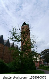 The tower and adjoining buildings of the Christuskirche in Hanau.